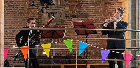 Balder en Jappe spelen hobo en fagot